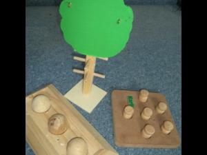Futterbaum & Spielzeug zur Futtersuche
